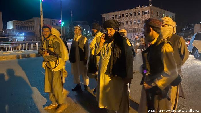مقري يهنأ طالبان ويوجه رسالة للمجتمع الدولي