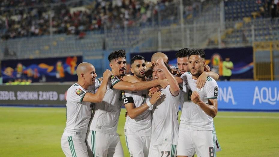 """المنتخب الجزائري يحتل هذا المركز في ترتيب """"فيفا"""" الجديد"""
