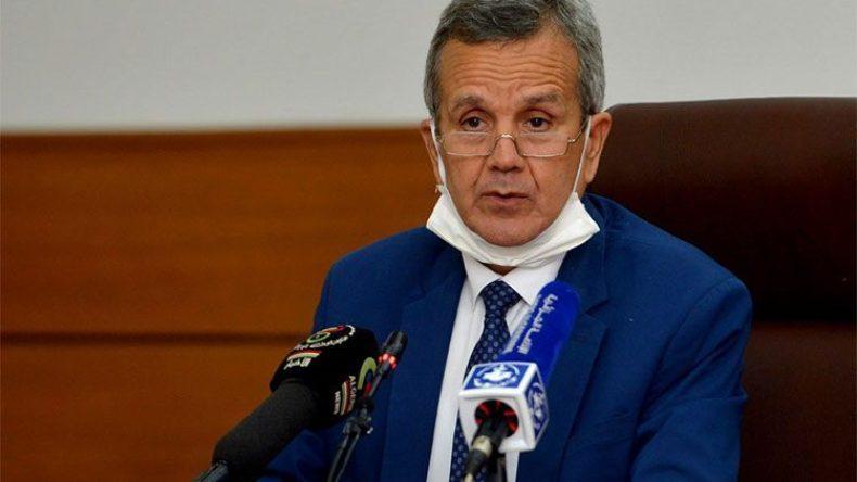 وزير الصحة يحذر من ظهور موجة رابعة