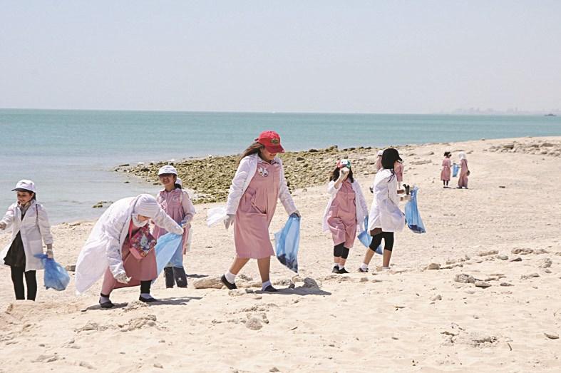 الجزائر تحي اليوم العالمي للتنظيف بمشاركة وفد دبلوماسي بريطاني