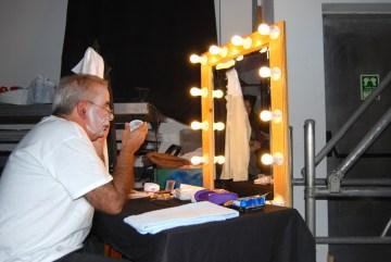 O actor antes de entrar em palco