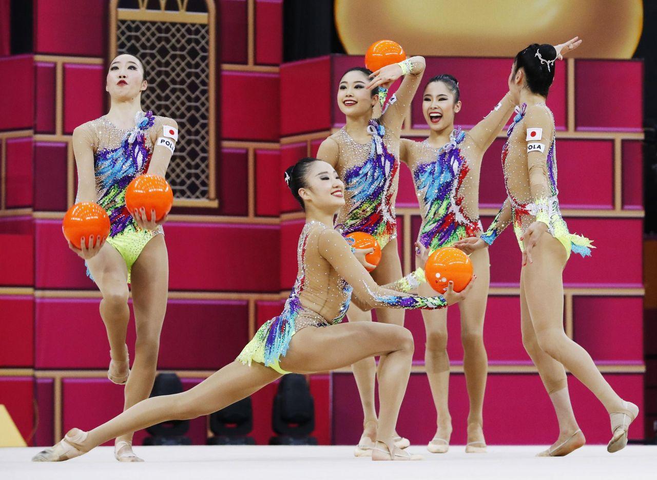 【海外】「彼女達が一番ベストなチームだったよ」新体操の世界選手権で団体種目別のボールで日本チームが団体初の金メダルを獲得