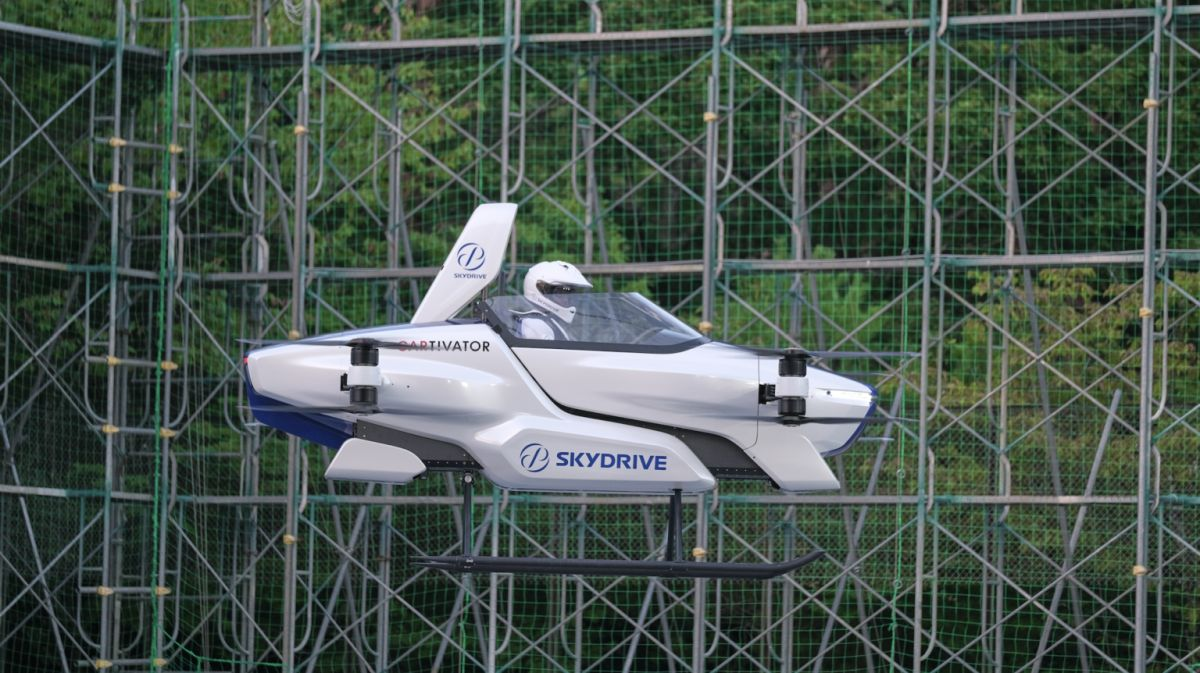 【海外】「もう日本に全部任せよう」空飛ぶクルマの有人飛行実験が日本で初めて公開