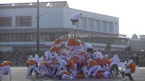 【海外】「なんてワイルドなスポーツなんだ!」日本の棒倒しの迫力に海外驚愕!