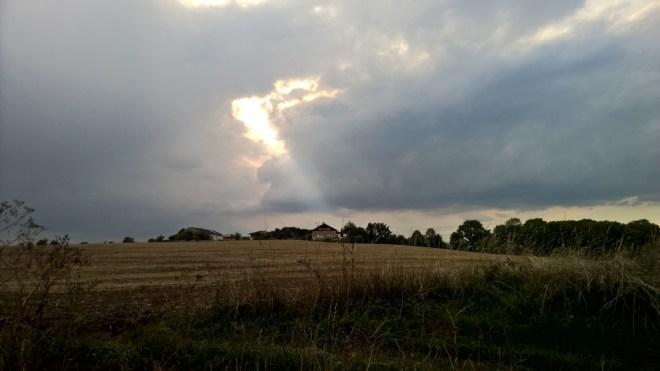 Dramatic_Sky_at_dawn_RadkaZKing