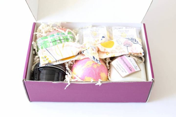Lavish Bath Box Review June 2016 3