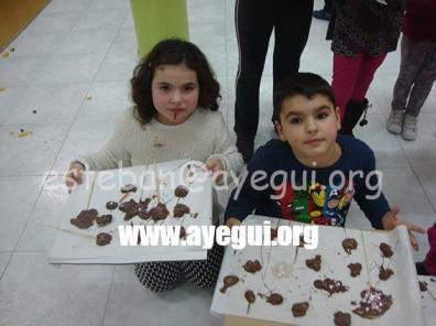 Ludoteca_2015-Taller_de_chocolate-Galerias-Ayuntamiento-de-Ayegui (36)