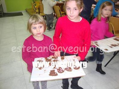 Ludoteca_2015-Taller_de_chocolate-Galerias-Ayuntamiento-de-Ayegui (38)
