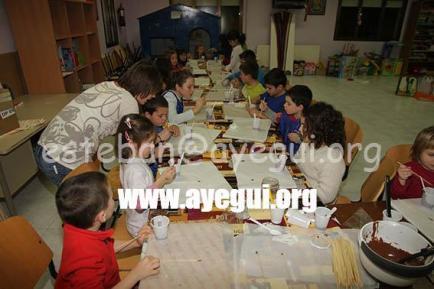 Ludoteca_2015-Taller_de_chocolate-Galerias-Ayuntamiento-de-Ayegui (47)