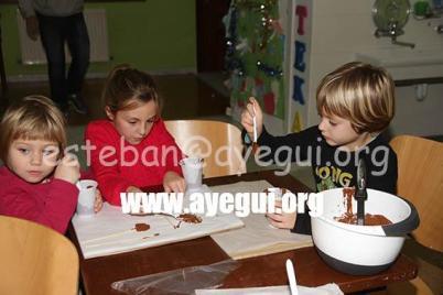 Ludoteca_2015-Taller_de_chocolate-Galerias-Ayuntamiento-de-Ayegui (63)
