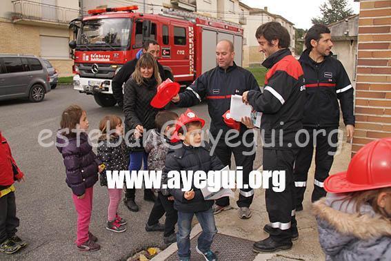 Ludoteca_2015-Visita_al_parque_de_bomberos-Galerias-Ayuntamiento-de-Ayegui (100)