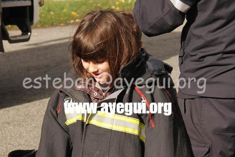 Ludoteca_2015-Visita_al_parque_de_bomberos-Galerias-Ayuntamiento-de-Ayegui (23)