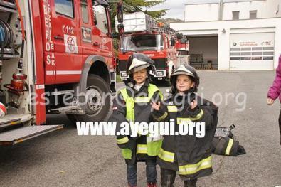 Ludoteca_2015-Visita_al_parque_de_bomberos-Galerias-Ayuntamiento-de-Ayegui (36)