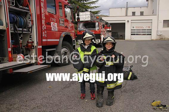 Ludoteca_2015-Visita_al_parque_de_bomberos-Galerias-Ayuntamiento-de-Ayegui (42)