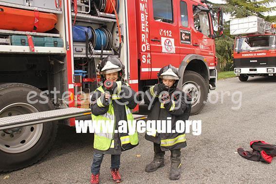 Ludoteca_2015-Visita_al_parque_de_bomberos-Galerias-Ayuntamiento-de-Ayegui (43)
