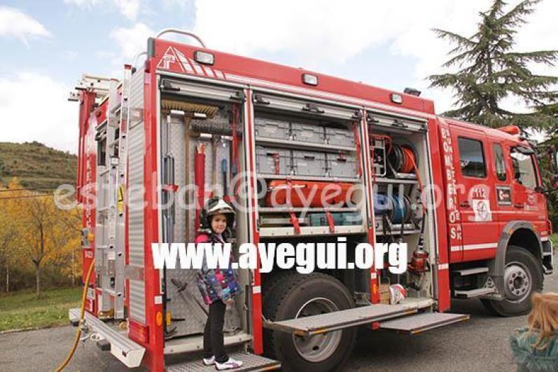 Ludoteca_2015-Visita_al_parque_de_bomberos-Galerias-Ayuntamiento-de-Ayegui (56)