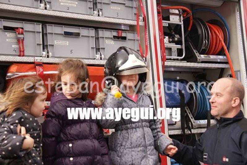 Ludoteca_2015-Visita_al_parque_de_bomberos-Galerias-Ayuntamiento-de-Ayegui (64)