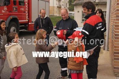 Ludoteca_2015-Visita_al_parque_de_bomberos-Galerias-Ayuntamiento-de-Ayegui (91)