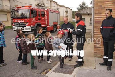 Ludoteca_2015-Visita_al_parque_de_bomberos-Galerias-Ayuntamiento-de-Ayegui (94)