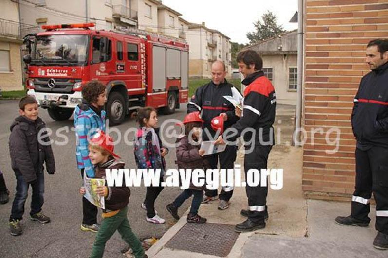 Ludoteca_2015-Visita_al_parque_de_bomberos-Galerias-Ayuntamiento-de-Ayegui (97)