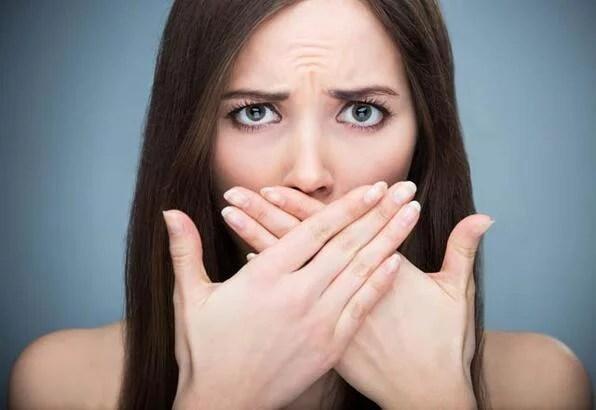 ağız kokusunu gidermenin 6 doğal yöntemi