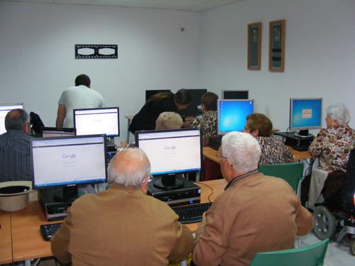 Resultado de imagen de internet y los mayores