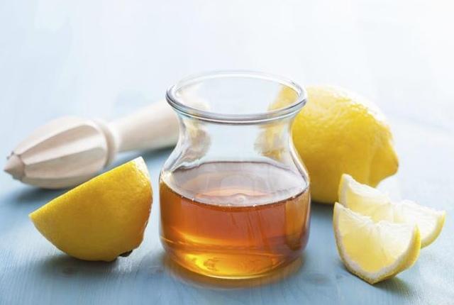 Make A Mixture Of Lemon And Honey