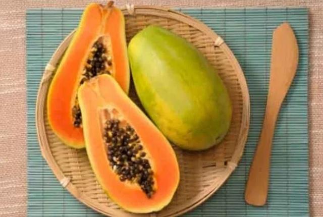 Apply Papaya Or Its Juice
