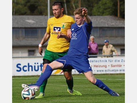 Nach der 2:5-Hinspielpleite wollen die Bodenteicher (rechts Marco Arndt) im Rückspiel dem MTV Dannenberg ein Bein stellen. Foto: Marud