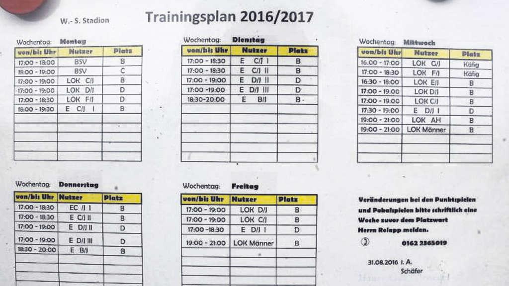 Der Belegungsplan zeigt, dass der Trainingsplatz im Stadion täglich ab 17 Uhr ausgelastet ist. Dazu kommt noch der Schulsport.