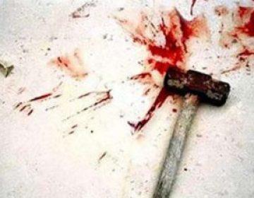 Sabirabadda ata çəkiclə 7 yaşlı oğlunu öldürüb