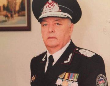 Akif Çovdarov nazirliyi məhkəməyə verib