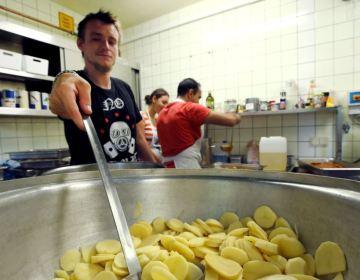 Almaniyada kişi miqrantlar cinayətlərin sayını necə artırır