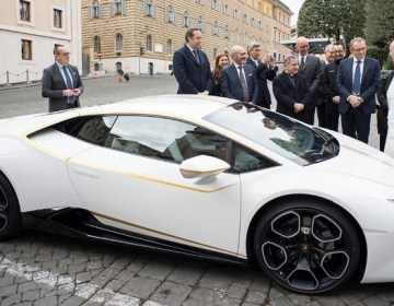 """Roma Papası """"Lamborghini""""sini satır  -FOTO"""
