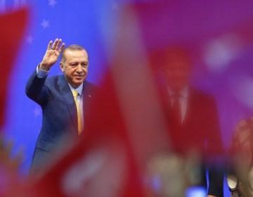 ABŞ türkiyəli məmurlar barəsindəki sanksiyanı aradan qaldırıb