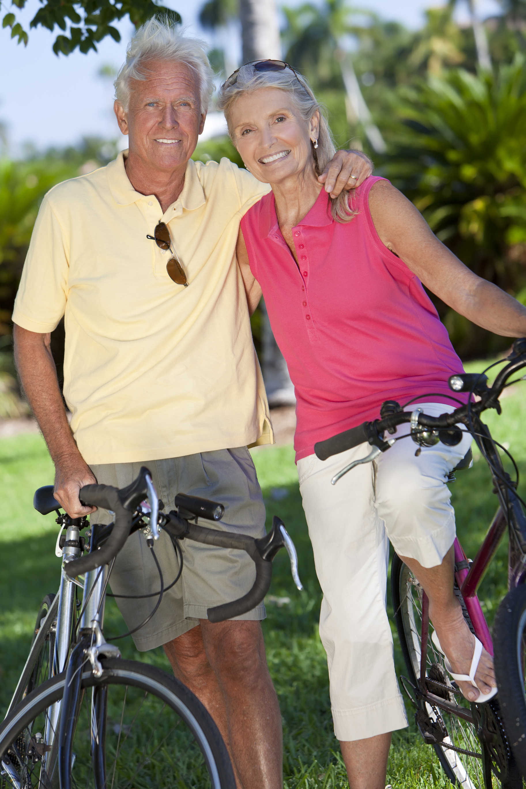 https://i2.wp.com/www.azactiveadult.com/wp-content/uploads/2011/10/active-adult-couple-bike-riding.jpg
