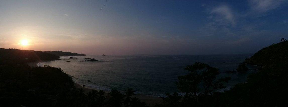 Zonsopgang vanaf ons balkon. Mazunte