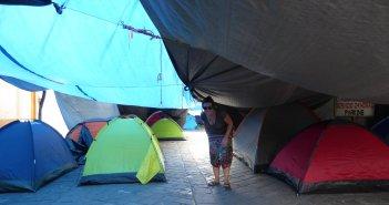 Het is net de lowlands camping in de straten van Oaxaca. Nu al zin LL 2017! Oaxaca