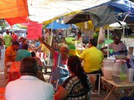 Taco's of Torta's op de markt van Oaxaca.