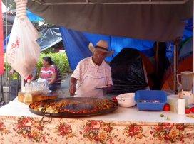 Deze man is naast cowboy ook een prima cookboy. Oaxaca