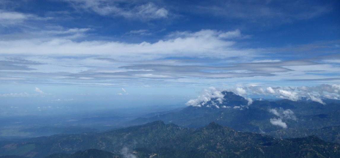 Uitzicht vanaf de top van Tajumulco. Kijk daar heb je Mexico weer.