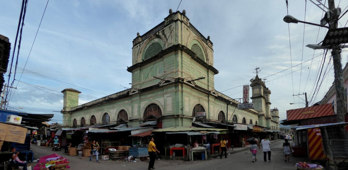 Het marktgebouw van Granada.