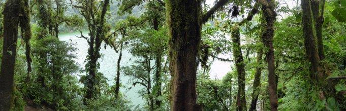 Het kratermeer van Cerro Chato. (Costa Rica)