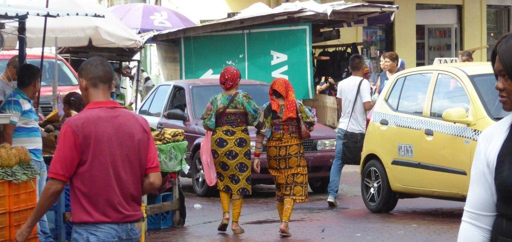 Mooie klederdracht midden in Panama City!