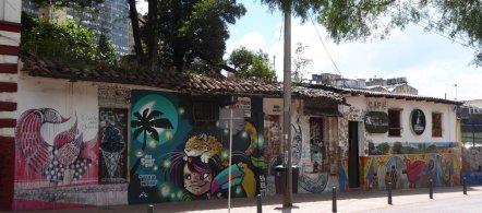Één van de vele toffe muurschilderingen van Bogota (Colombia).