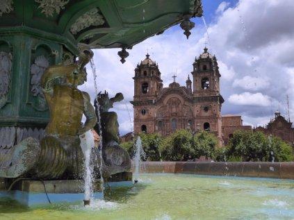 Fontijntje op Plaza de Armas. Cusco