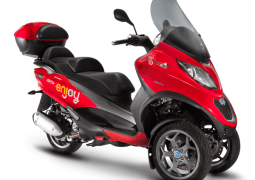 Enjoy scooter sharing Piaggio MP3