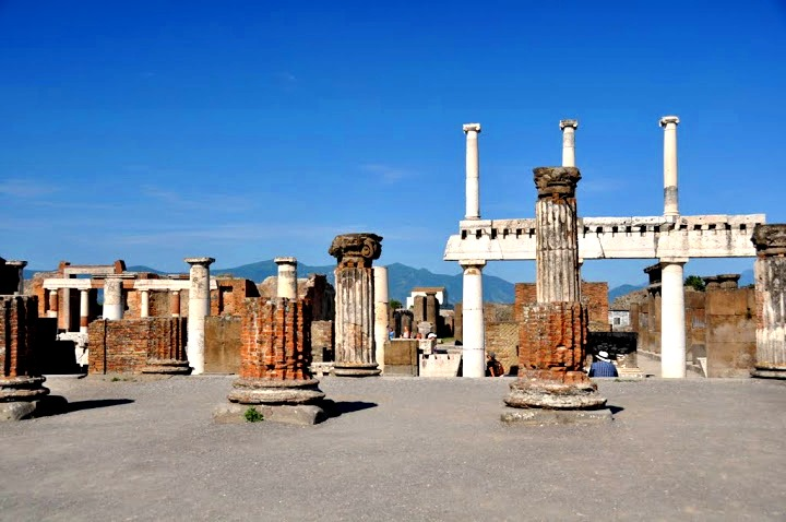 Pompeji, a hamu alatt rejtett város