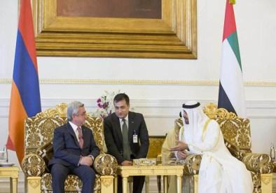 صاحب السمو الشيخ محمد بن زايد يجري مباحثات مع الرئيس الأرميني لتعزيز العلاقات الثنائية.