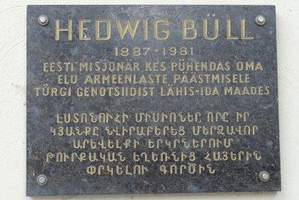 4-29-15_Hedwig_bull_memorial